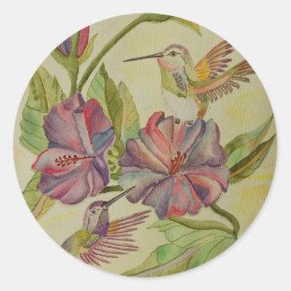 Colibríes e hibisco de la pintura de la acuarela pegatina redonda