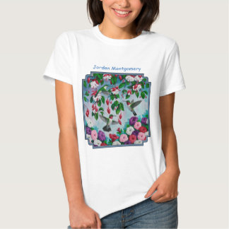 Colibríes en jardín de flores fucsia camisas