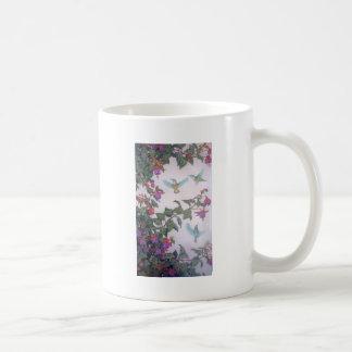 Colibríes en primavera taza clásica