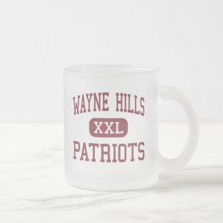 Colinas de Wayne - patriotas - altas - Wayne New J Taza Cristal Mate