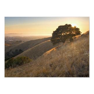 """Colinas del este de la bahía de California en la Invitación 5"""" X 7"""""""
