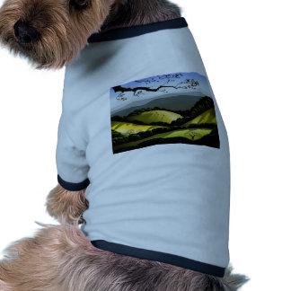Colinas del este camiseta con mangas para perro