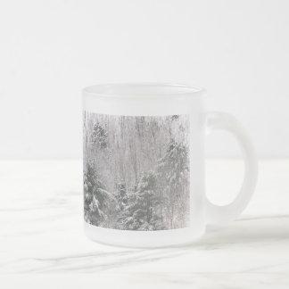 Colinas escarchadas taza de cristal
