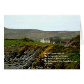 Colinas irlandesas tarjeta de felicitación