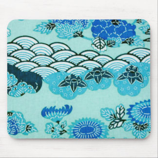 Colinas y flores azules mouse pads