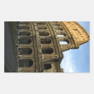 Coliseo en la puesta del sol pegatina rectangular