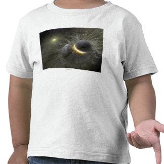 Colisión del espacio del concepto del artista en camiseta