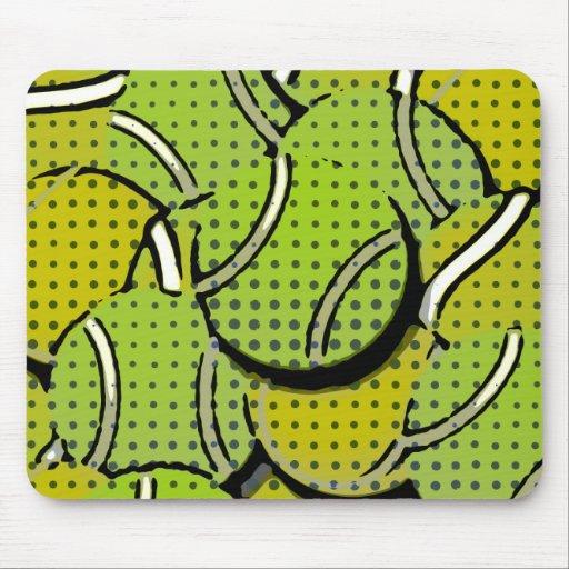 Collage abstracto de las pelotas de tenis tapetes de ratón
