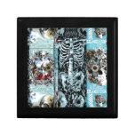 Collage adornado del cráneo caja de joyas