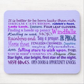 Collage afortunado de las palabras en cojín de alfombrilla de ratones