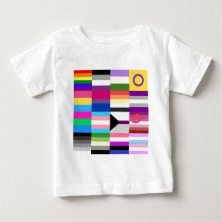 Collage de la bandera del orgullo de LGBT Playera De Bebé