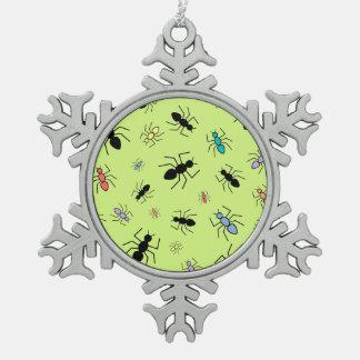 Collage de la hormiga del vector (fondo del verde  adorno de peltre en forma de copo de nieve