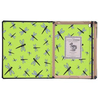 Collage de la libélula del vector fondo verde iPad protector