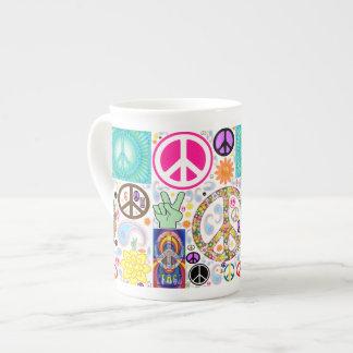 Collage de la paz taza de china
