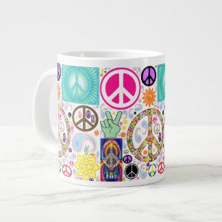 Collage de la paz taza extra grande