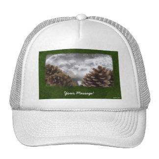 Collage de los conos del pino - mensaje de encargo gorra