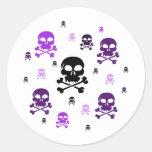 Collage de los cráneos del dibujo animado - etiqueta redonda