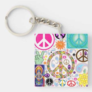 Collage de los signos de la paz llavero cuadrado acrílico a doble cara