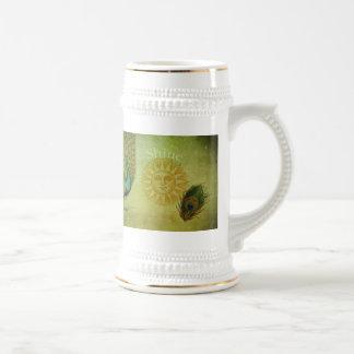 Collage del arte del pavo real del vintage jarra de cerveza