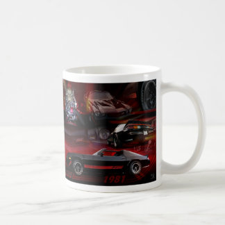 Collage del coche en rojo y negro taza clásica