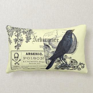 Collage del cuervo de Edgar Allen Poe Cojín