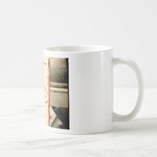 collage del león del fantasma tazas de café