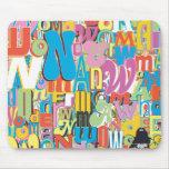 Collage del texto de la Mujer Maravilla Tapetes De Raton