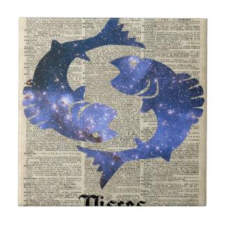 Collage del vintage de los pescados sobre la azulejo cuadrado pequeño