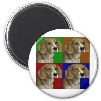 Collage oscuro del color primario del beagle imán redondo 5 cm