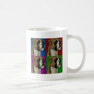 Collage primario oscuro del perro del boxeador taza