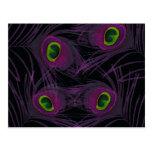 Collage púrpura y verde de la pluma del pavo real postales