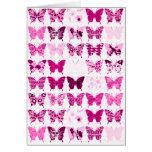 Collage rosado de la mariposa felicitación