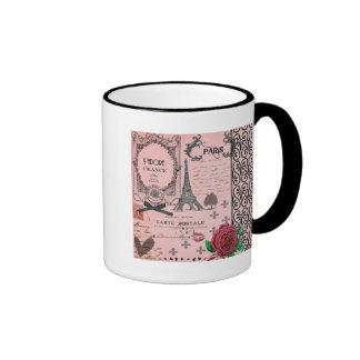 Collage rosado de París del vintage Taza