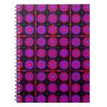 Collage rosado y púrpura del fractal libros de apuntes con espiral