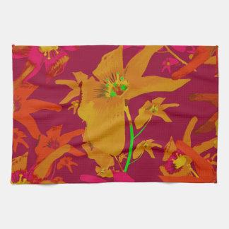 Collage tropical hawaiano de los lirios del estilo toallas