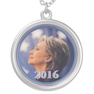 Collar 2016 de Hillary