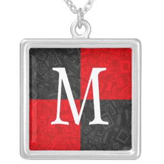 Collar a cuadros negro y rojo del monograma del