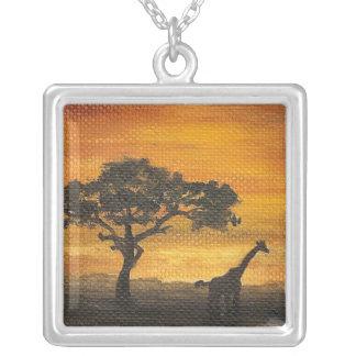 Collar africano de la puesta del sol