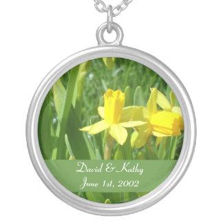 Collar amarillo de la flor de los narcisos del ran