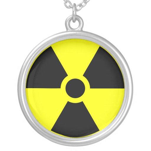 Collar amonestador del logotipo de la radiación
