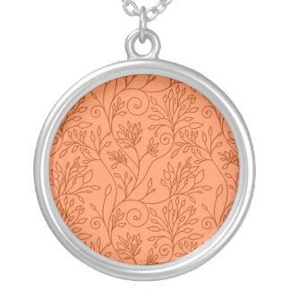 Collar anaranjado floral elegante