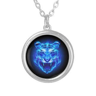 Collar azul de la cara del tigre del fuego