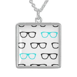 collar azul de la joyería de los vidrios geeky