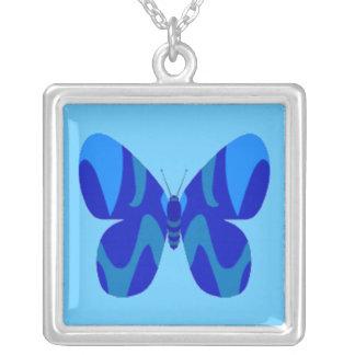Collar azul del cuadrado de la mariposa de Camo