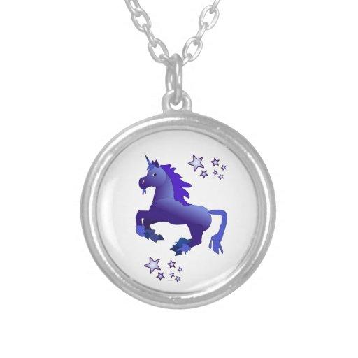 Collar azul del unicornio y de las estrellas
