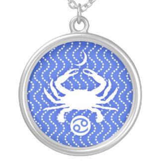 Collar azul y blanco de la muestra de Sun del cánc
