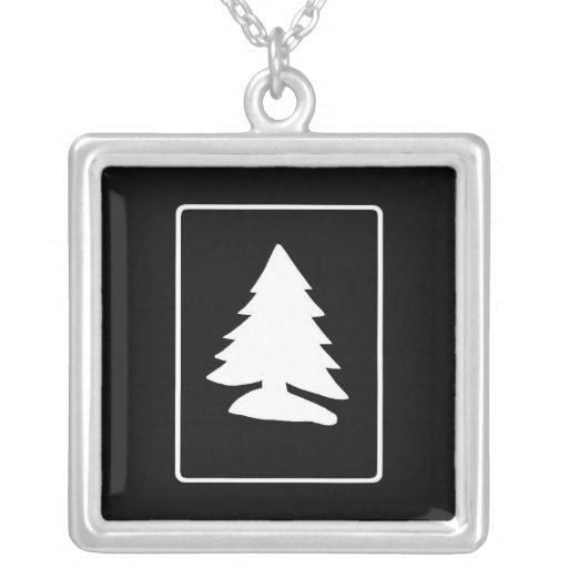 Collar blanco del árbol de navidad