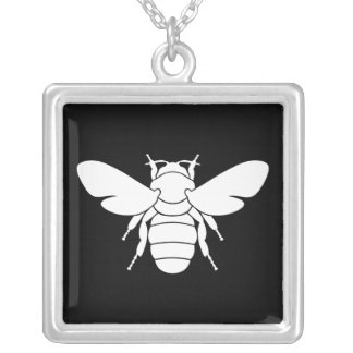 Collar blanco del colgante de la abeja
