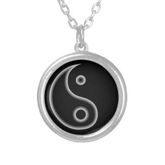 Collar blanco y negro de Yin Yang