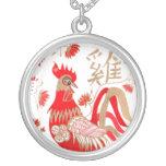 Collar chino de la astrología del gallo
